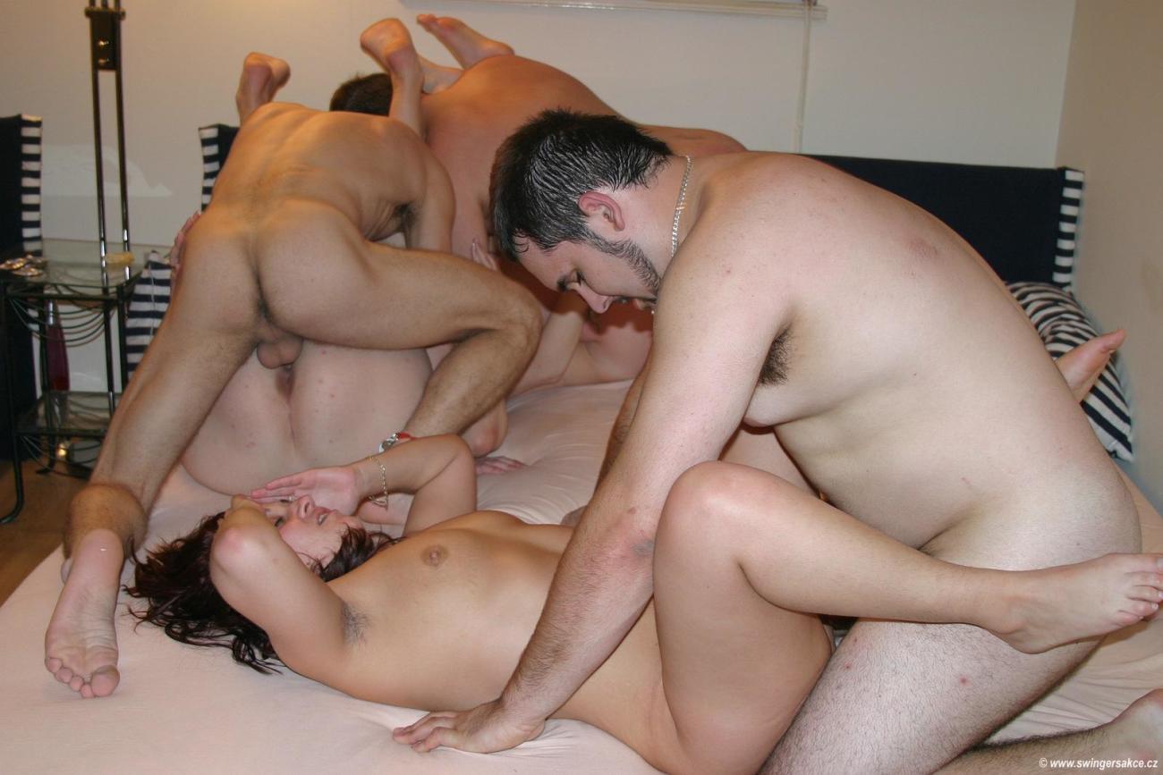 Порно свингеры мужья смотрят