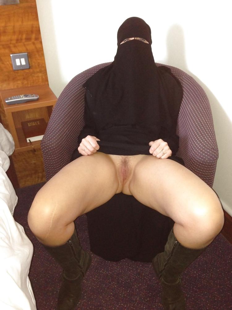 Hijab orgasm sorgusuna uygun..