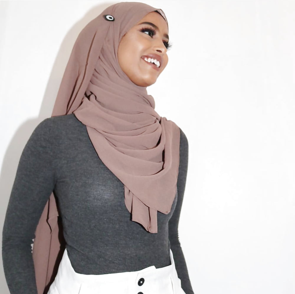 Beurette arab hijab muslim - Pics..
