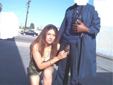 CFNM-Girls-posing-with-big-black-..