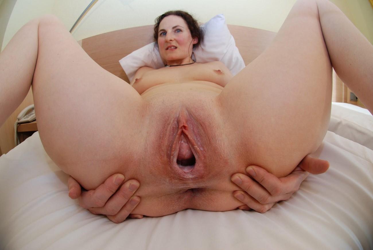 Milf Extreme Pussy Gaping Milf..
