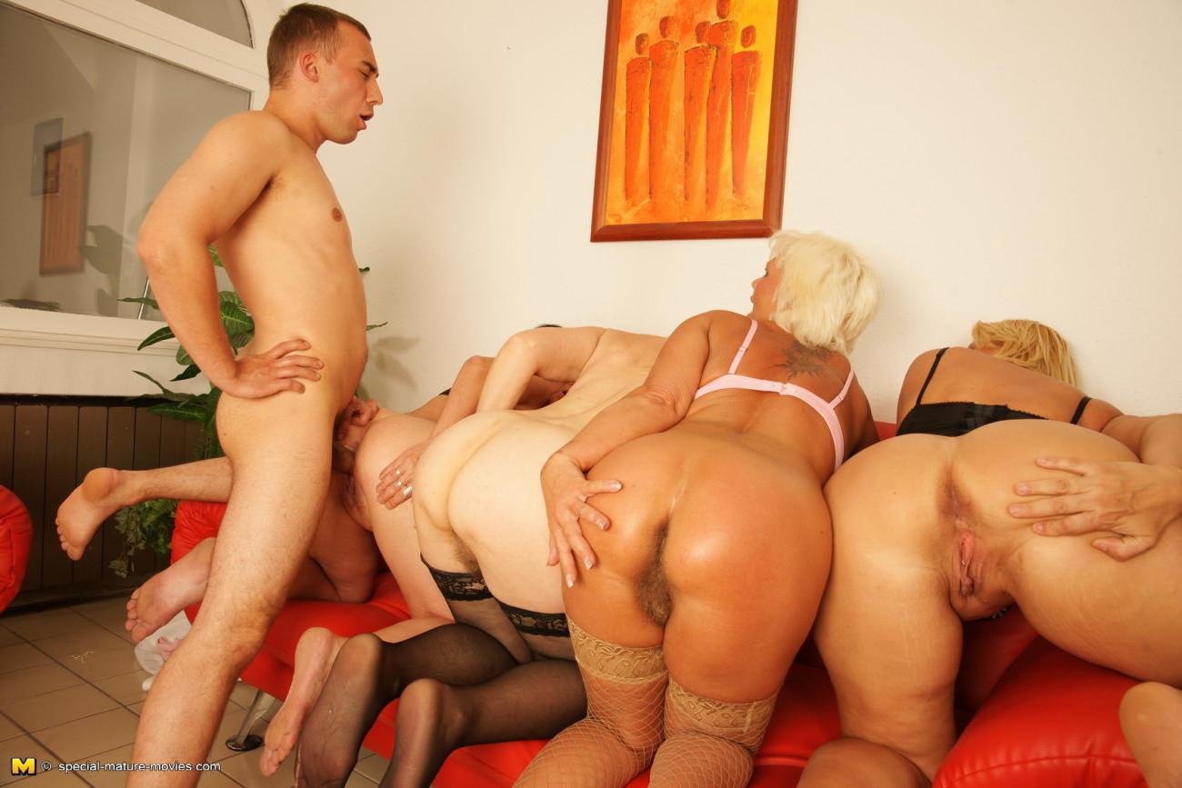 Grannie nude movie galleries - HQ..