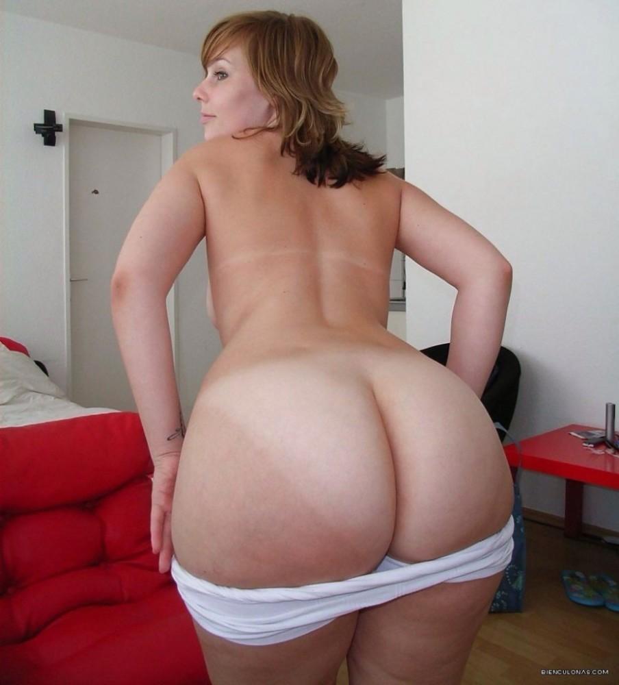 Jiggly booty latin milf rides my..