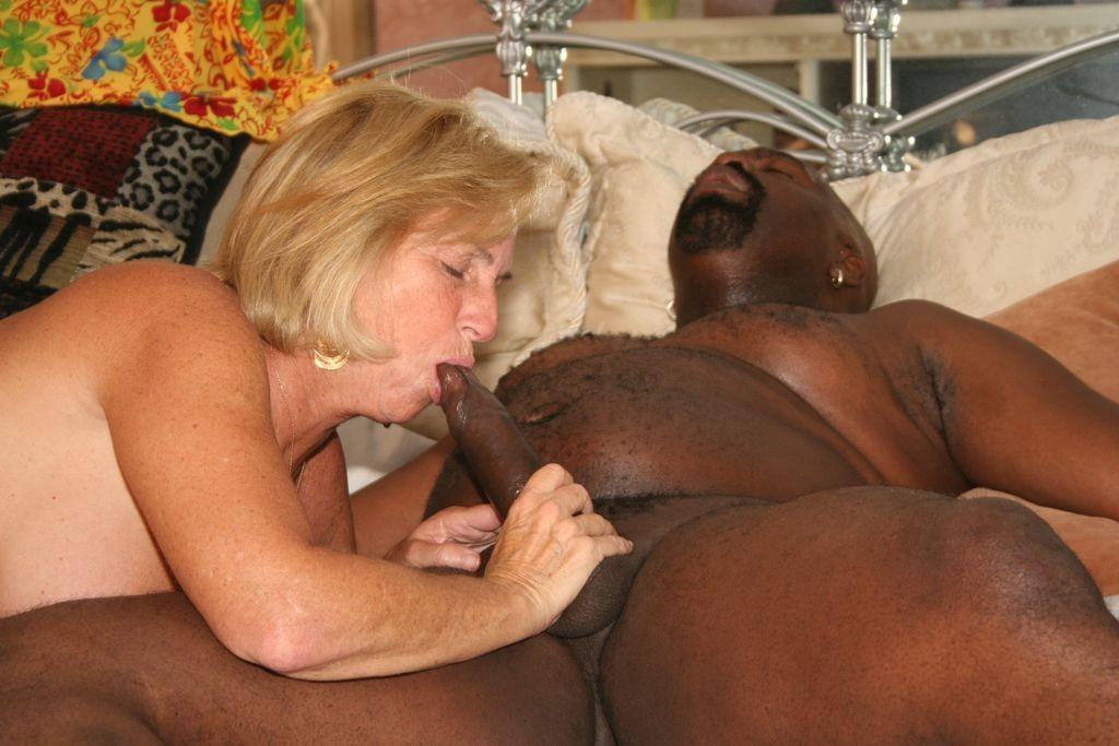 Fat Black Mom Fucks Worker Free Xxx Galeries