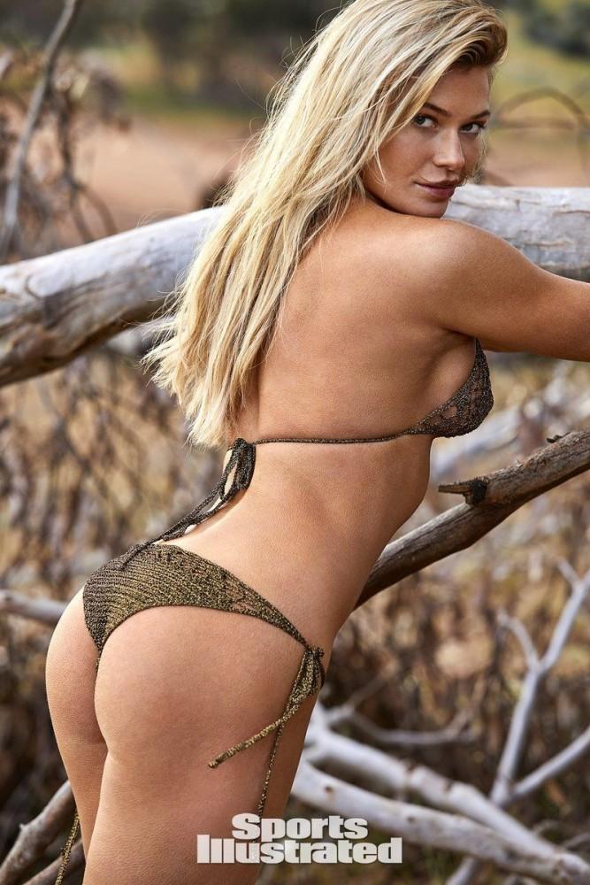 Samantha Hoopes Nude Exhibited..