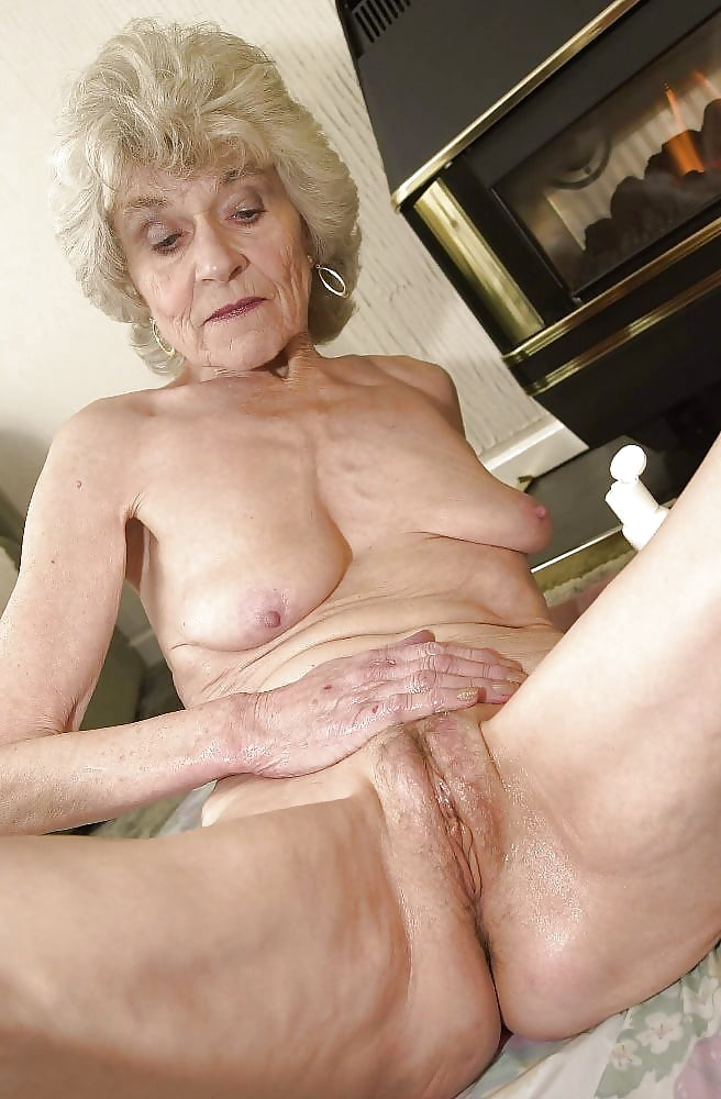 Grey haired pussy Granny Torrie -..