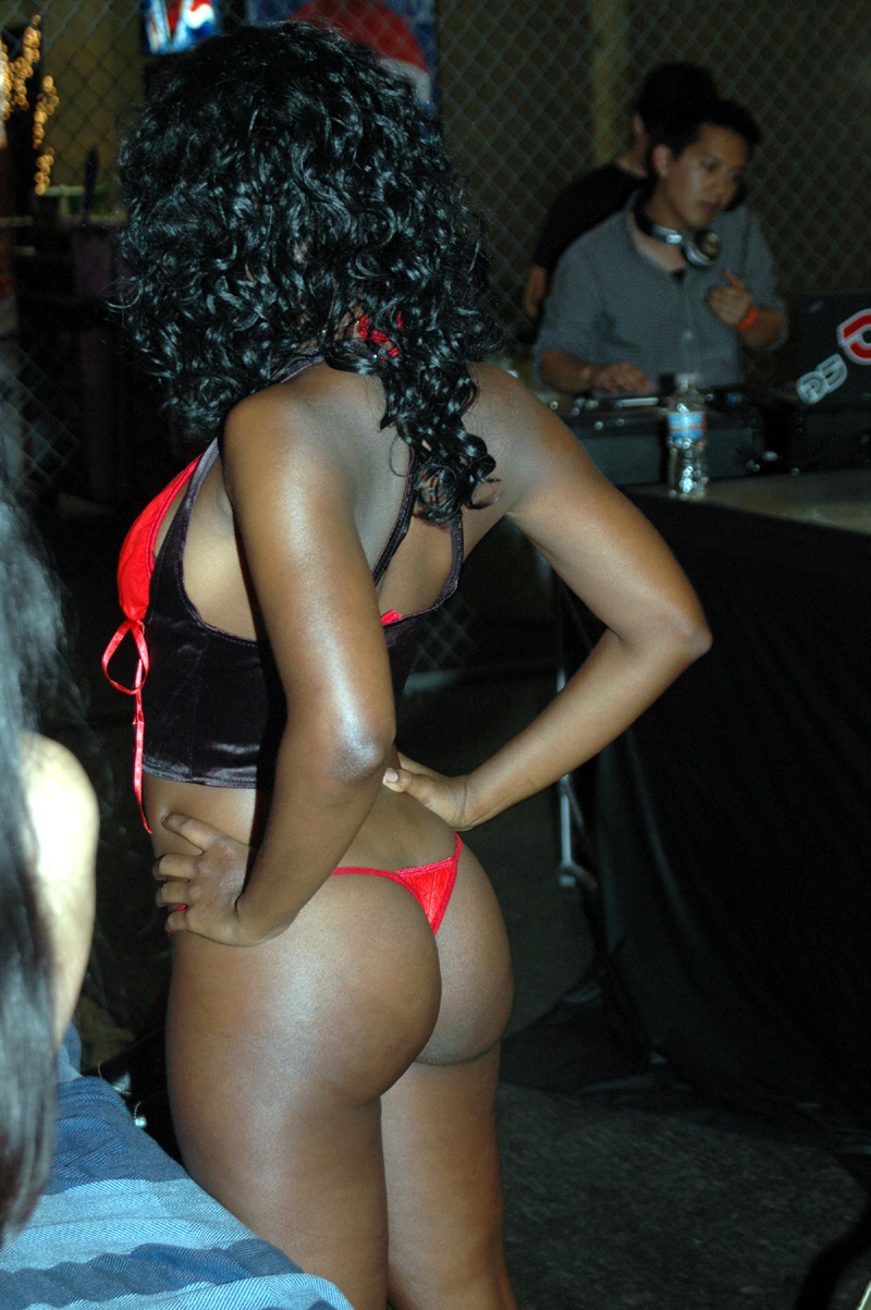 Hot ebony bombshell looking..