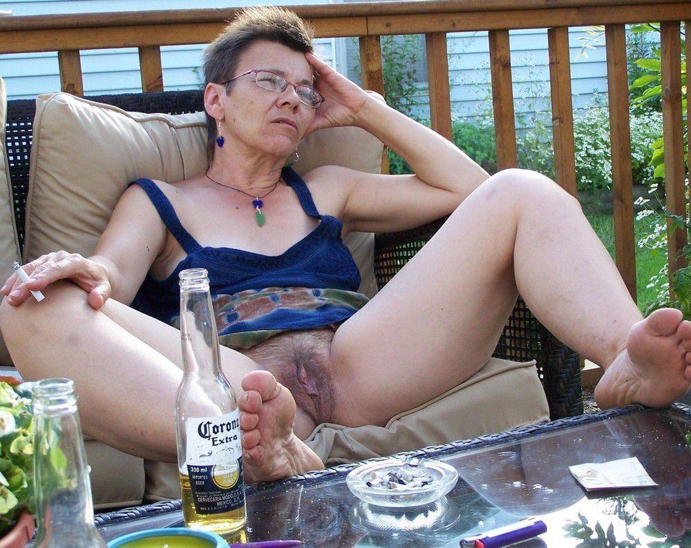 More older women exhibitionists,..